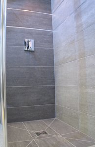 wetroom show tray tiled